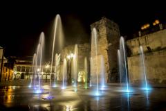 fuente-plaza-mayor-andalucia-noche